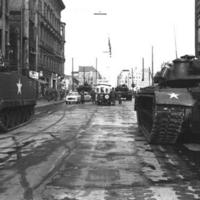 Checkpoint_Charlie_1961-10-27.jpg
